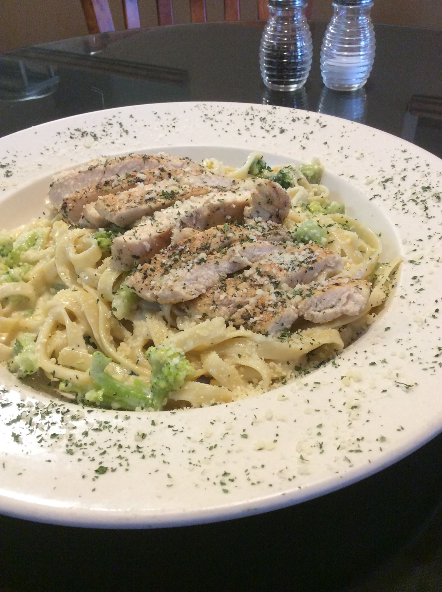 Chicken & Broccoli Alfredo Image
