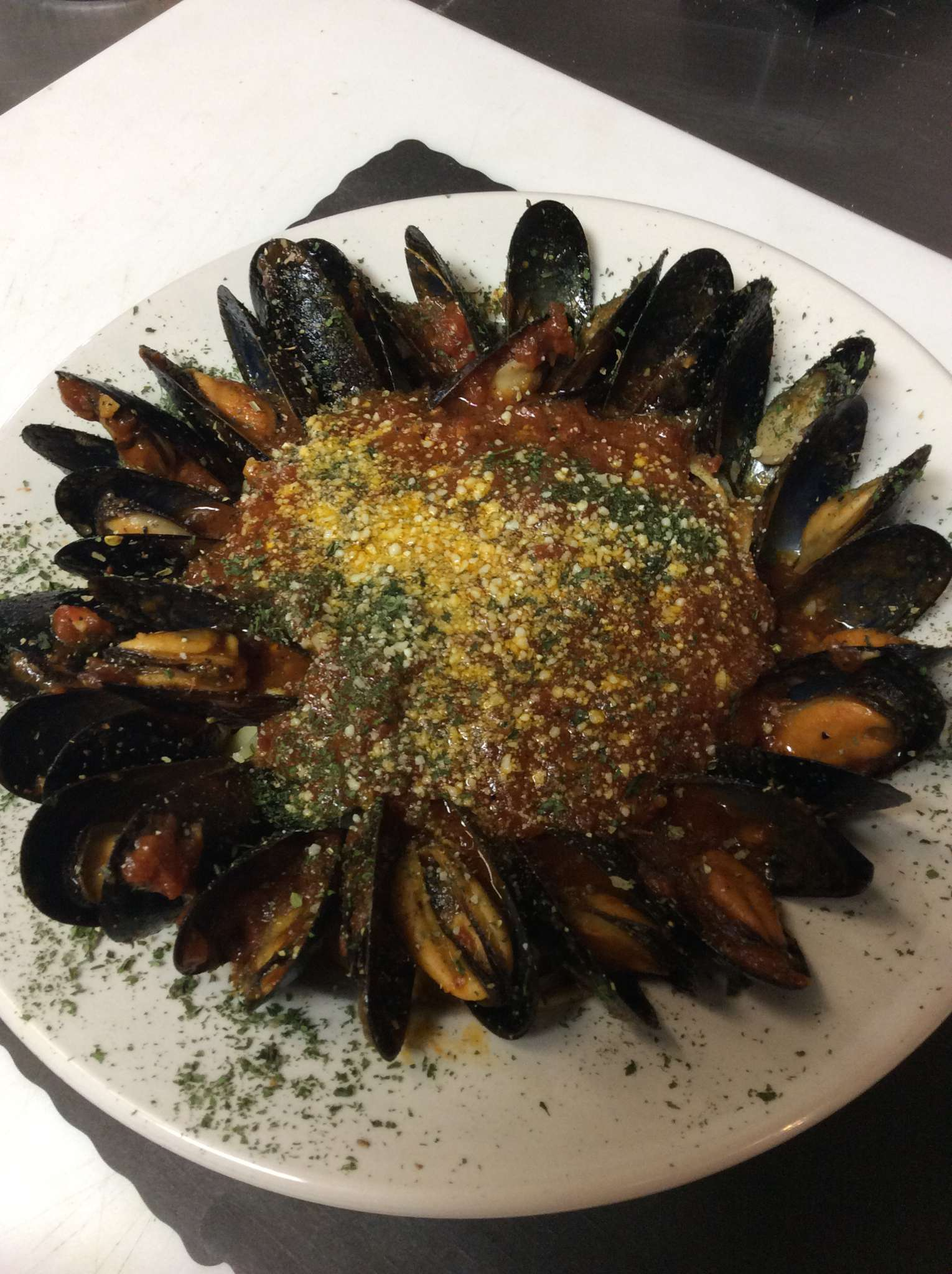Mussel Marinara with Linguini Image